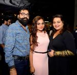 Don Vanzara Swara Vanzara Shilpa Shirodkar at Swara Vanzara birthday bash on 6th Nov 2016_5820944d663a9.JPG