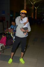 Manish Paul snapped at airport on 6th Nov 2016 (44)_58208dbe73973.JPG
