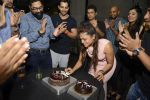 Swara Vanzara Cutting the Cake at Swara Vanzara birthday bash on 6th Nov 2016_5820955f25077.JPG
