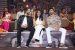 Aashim Gulati, Neha Sharma, Aditya Seal at the promotion of film Tum Bin II on the sets of Sony TV reality show Super Dancer on 7th Nov 2016 (4)_58219b2e625b9.JPG