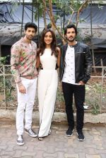 Aashim Gulati, Neha Sharma, Aditya Seal at the promotion of film Tum Bin II on the sets of Sony TV reality show Super Dancer on 7th Nov 2016 (18)_58219b028d040.JPG