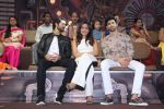 Aashim Gulati, Neha Sharma, Aditya Seal at the promotion of film Tum Bin II on the sets of Sony TV reality show Super Dancer on 7th Nov 2016 (3)_58219b2dab401.JPG