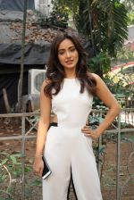 Neha Sharma at the promotion of film Tum Bin II on the sets of Sony TV reality show Super Dancer on 7th Nov 2016 (12)_58219b32d9a33.JPG