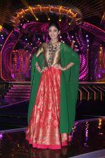 Shilpa Shetty on the sets of Sony TV reality show Super Dancer on 7th Nov 2016 (18)_5821939bc45d7.jpg