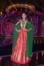 Shilpa Shetty on the sets of Sony TV reality show Super Dancer on 7th Nov 2016 (19)_5821939cb52cc.jpg