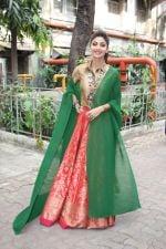 Shilpa Shetty on the sets of Sony TV reality show Super Dancer on 7th Nov 2016 (23)_582193a00664f.jpg