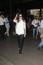 Kanika Kapoor snapped at airport on 8th Nov 2016 (92)_5822c6f98e6d9.JPG