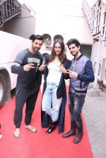 John Abraham, Sonakshi Sinha, Tahir Raj Bhasin with Cast of Force 2 spotted at Mehboob Studio in Bandra on 9th Nov 2016 (48)_58247a6ef2b93.JPG