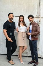 Sonakshi Sinha, John Abraham promote Force 2 on 10th Nov 2016 (34)_58247f055194a.jpg