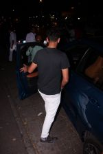Yuvraj Singh snapped at pre wedding dinner on 9th Nov 2016 (1)_58247e0961ec6.JPG
