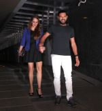 Yuvraj Singh snapped at pre wedding dinner on 9th Nov 2016 (21)_58247e2104c99.JPG