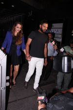 Yuvraj Singh snapped at pre wedding dinner on 9th Nov 2016 (24)_58247e115aacf.JPG