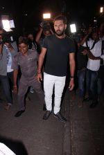 Yuvraj Singh snapped at pre wedding dinner on 9th Nov 2016 (27)_58247e14286f9.JPG