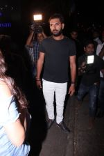 Yuvraj Singh snapped at pre wedding dinner on 9th Nov 2016 (29)_58247e1546f20.JPG