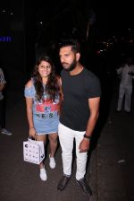 Yuvraj Singh snapped at pre wedding dinner on 9th Nov 2016 (31)_58247e166b7fd.JPG