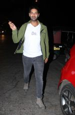 Purab Kohli at Farhan Akhtar_s bash in Mumbai on 10th Nov 2016 (13)_58256b1c3d663.jpg