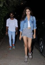 Rhea Chakraborty at Farhan Akhtar_s bash in Mumbai on 10th Nov 2016 (13)_58256b2e16f47.jpg
