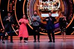 Yuvraj Singh graces the stage of Jhalak Dikhhla Jaa on Childrens day special episode (14)_582567aab65d4.JPG