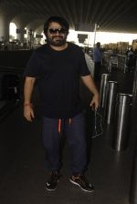 Pritam Chakraborty snapped at airport on 11th Nov 2016 (5)_5826c1904ce80.JPG