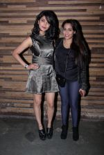 Shruti Haasan, Shweta Pandit at Jammin concert in Mumbai on 11th Nov 2016 (101)_5826c2e3a94c4.JPG
