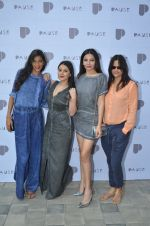 Anushka Manchanda, Minissha Lamba, Shonali Nagrani, Nisha Harale at Pause launch in Mumbai on 12th Nov 2016 (140)_582814fe53022.JPG