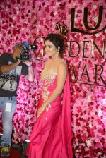 Asha Negi at Lux Golden Rose Awards 2016 on 12th Nov 2016 (43)_582851acbdfdb.JPG