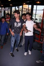 Hrithik Roshan at Akro gym launch in Mumbai on 12th Nov 2016 (36)_582813fb644aa.JPG