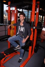 Hrithik Roshan at Akro gym launch in Mumbai on 12th Nov 2016 (50)_5828140635337.JPG