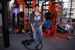 Hrithik Roshan at Akro gym launch in Mumbai on 12th Nov 2016 (57)_5828140be0732.JPG