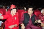 Jeetendra and Rakhi Sawant at global achiever awards on 12th Nov 2016 (25)_582814393ab6b.JPG