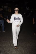 Kainaat Arora snapped at airport on 12th Nov 2016 (16)_582814ba0e9d1.JPG