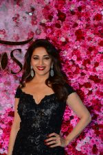 Madhuri Dixit at Lux Golden Rose Awards 2016 on 12th Nov 2016 (33)_582856763dd90.JPG