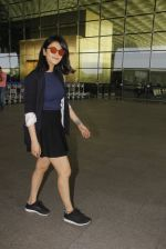 Shruti Haasan snapped at airport on 12th Nov 2016 (47)_58280daf20002.JPG