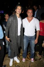 Sohail Khan, Dino Morea at Ananya Birla single launch with Universal in Mumbai on 12th Nov 2016 (75)_582811dc72c43.JPG
