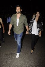 Aftab Shivdasani snpped at airport on 13th Nov 2016 (32)_582aace0c064c.JPG