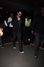 Anil Kapoor snapped at airport on 14th Nov 2016 (67)_582ab44e6d6d5.JPG