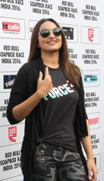 Sonakshi Sinha at red bull race on 13th Nov 2016