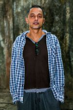Sujoy Ghosh spotted at Zee etc office For Kahaani2 promotio on 14th Nov 2016 (3)_582aa7306e4c6.jpg