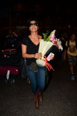 Chitrangada Singh snapped at airport on 15th Nov 2016 (32)_582bfe597ccd7.JPG