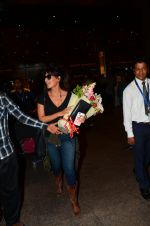 Chitrangada Singh snapped at airport on 15th Nov 2016 (36)_582bfe5c12f1d.JPG