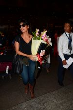 Chitrangada Singh snapped at airport on 15th Nov 2016 (41)_582bfe5eee6be.JPG