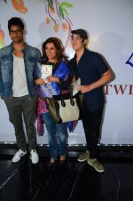 Dimple Kapadia at Twinkle Khanna_s book launch in J W Marriott, Mumbai on 15th Nov 2016 (24)_582c0fef0be82.JPG