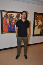 Dino Morea at Thota Vaikuntam art show hosted by India Fine Art on 15th Nov 2016 (43)_582c0dcc0ba87.JPG