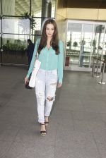Evelyn Sharma snapped at airport on 15th Nov 2016 (15)_582bfe6844c1b.JPG