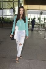 Evelyn Sharma snapped at airport on 15th Nov 2016 (19)_582bfe6a9cb18.JPG