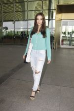 Evelyn Sharma snapped at airport on 15th Nov 2016 (21)_582bfe6bcdd08.JPG
