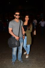 Karan Patel snapped at airport on 15th Nov 2016 (25)_582bfe7b439e7.JPG