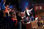 Daler Mehndi and Mika on The Kapil Sharma Show on 16th Nov 2016 (17)_582d5429f265f.JPG