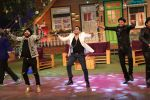 Daler Mehndi and Mika on The Kapil Sharma Show on 16th Nov 2016 (6)_582d54260c722.JPG