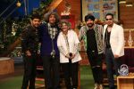 Daler Mehndi and Mika on The Kapil Sharma Show on 16th Nov 2016 (14)_582d5200204af.JPG